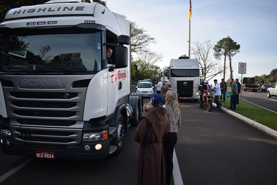 Fé na proteção de São Cristóvão move motoristas