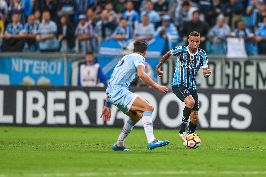 10a9b3bb02 Tradição na Libertadores - Jornal A Hora
