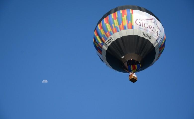 Até domingo mais de 17 balões colorem o céu de Venâncio Aires, no Vale do Rio Pardo
