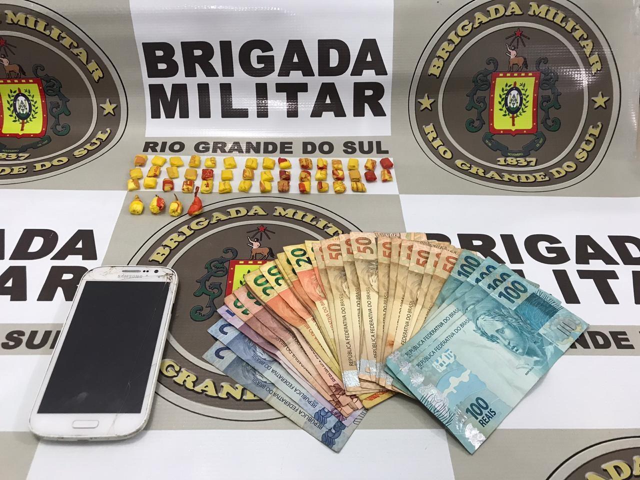 Polícia prende homem com 47 buchas de cocaína