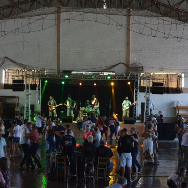 Fandango e solidariedade agitam o domingo no Jardim do Cedro