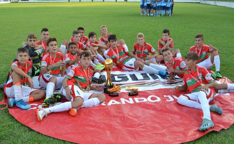 Na última partida da tarde, a Juventus sagrou-se campeã da categoria Sub-13 ao vencer o Lajeadense