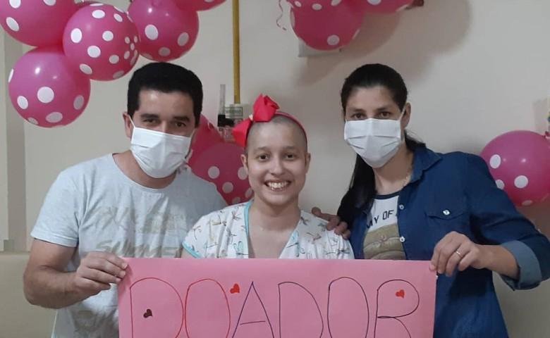 Jaqueline encontrou um doador 100% compatível em novembro. Desde então aguarda o transplante