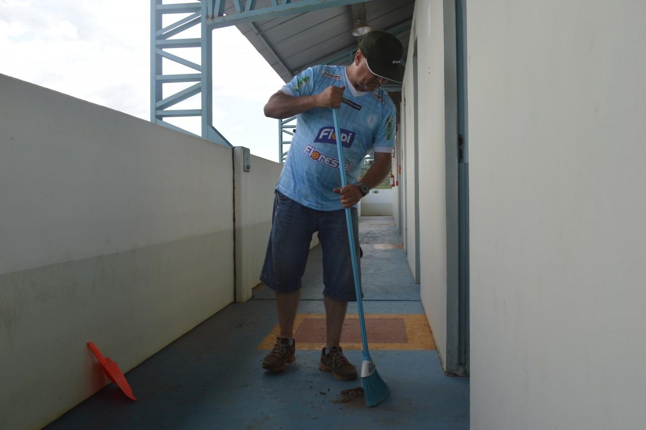 Gasparotto se somou ao time de voluntários para organizar o estádio