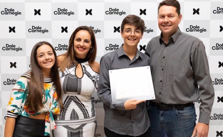 O jovem se formou na primeira turma do Geração Futura de Santa Cruz do Sul,  em dezembro