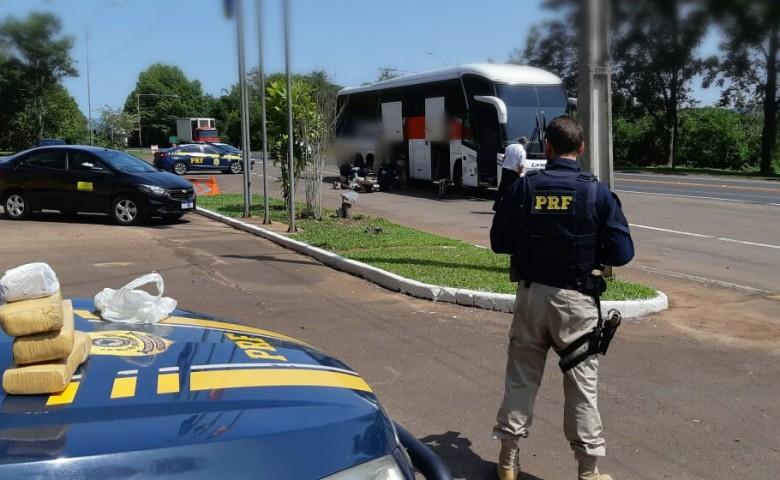 Novos agentes da PRF de Lajeado realizaram a abordagem ao ônibus