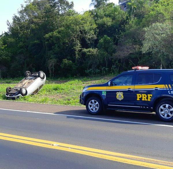 Família capota carro na BR-386, mas ninguém fica ferido