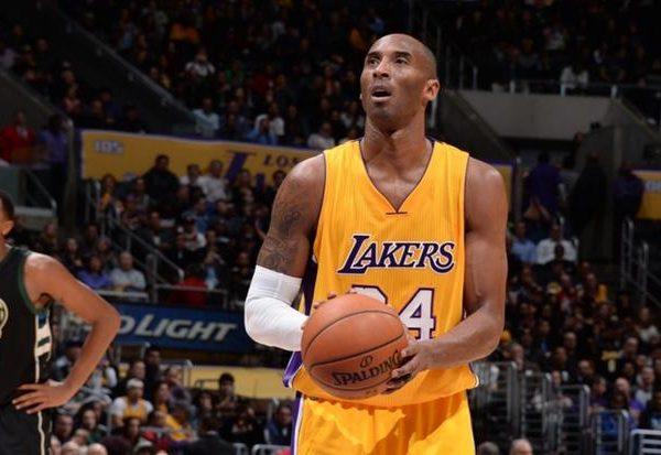Ícone do basquete, Kobe Bryant morre em acidente de helicóptero