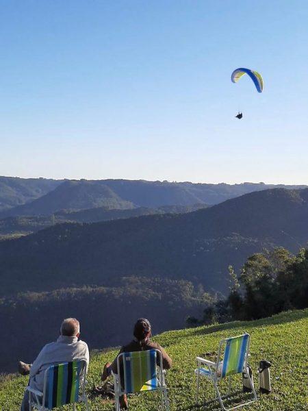 Pilotos colorem o céu do Vale do Taquari