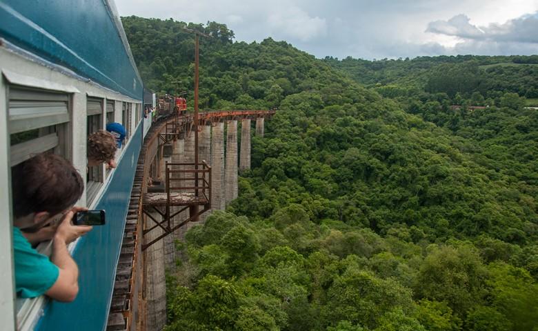 Metade dos ingressos do Trem dos Vales já está pré-reservada