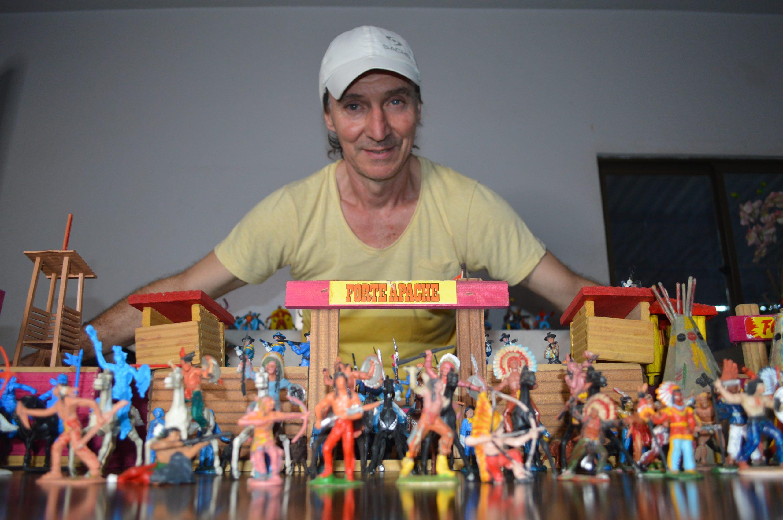 Brinquedos da infância viram hobby da idade adulta