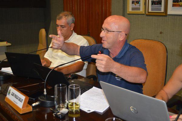 Debate sobre indicações políticas para terceirizadas marca sessão da câmara