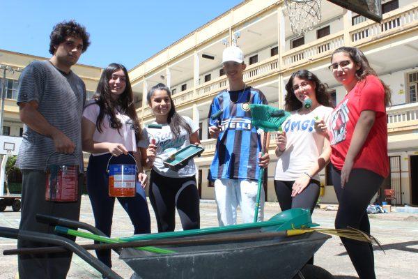 Estudantes promovem mutirão para melhorar ambiente escolar