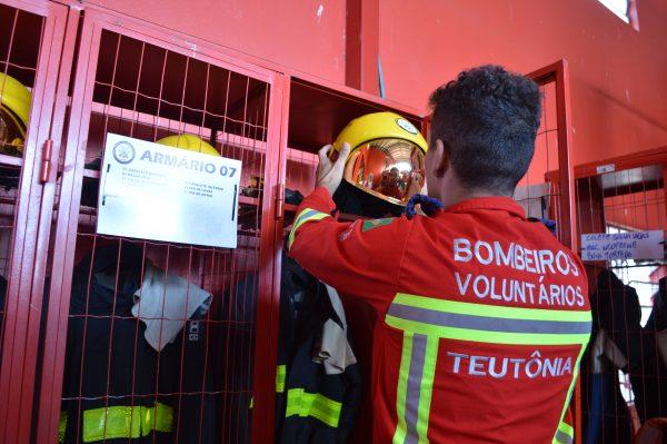 Bombeiros voluntários também serão vacinados contra covid-19 no Estado