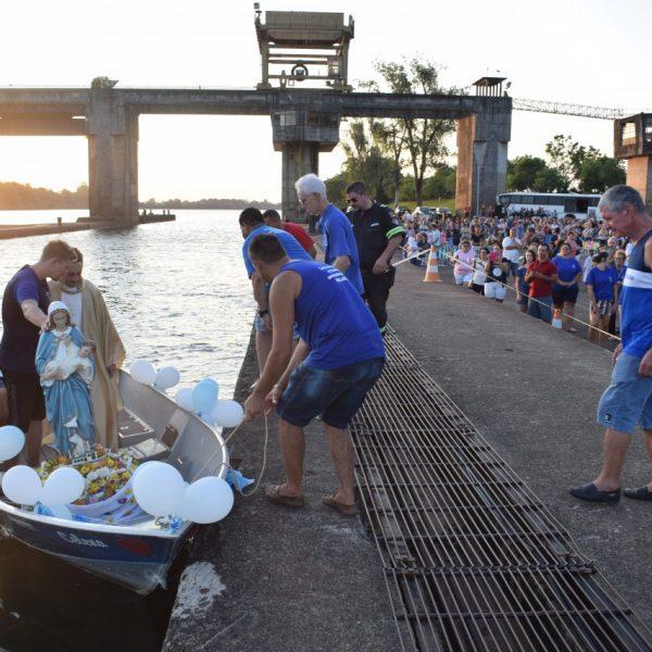 Centenas homenageiam santa na Barragem de Bom Retiro do Sul