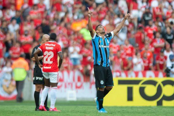 Grêmio vence no Beira-Rio e avança para a final do turno