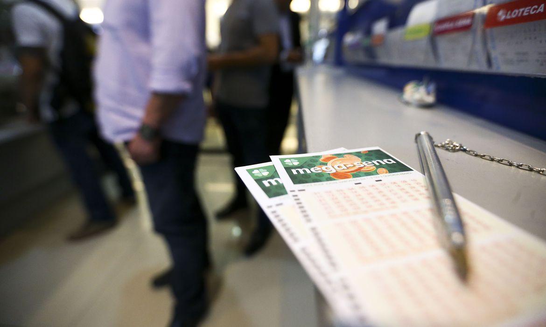 Mega-Sena acumula e próximo prêmio pode pagar R$ 170 milhões