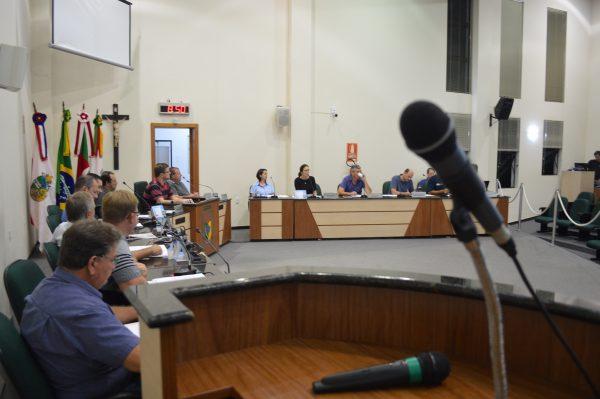 Vereadores querem incluir prefeito e vice em redução salarial