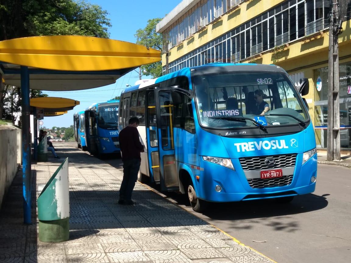 Transporte público e atendimentos sociais são retomados em Estrela