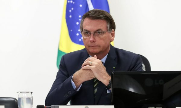 7 notícias: Bolsonaro sanciona lei que retira 90% da verba para ciência e pesquisa