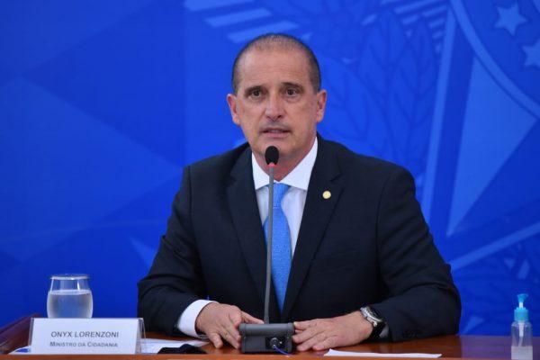Presidente sai fortalecido com divulgação de reunião, acredita ministro