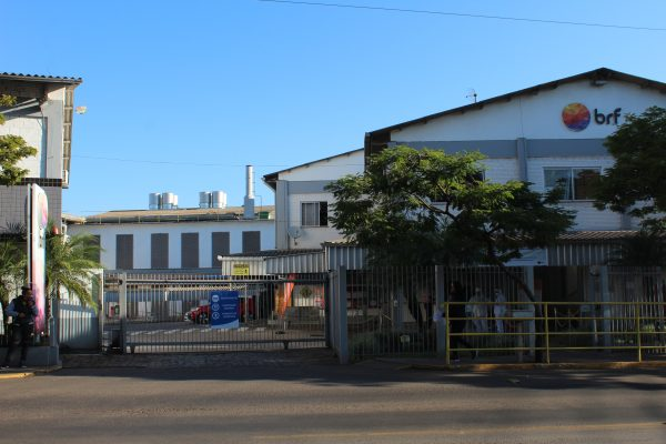 Frigoríficos de Lajeado realizam seleção de funcionários em Estrela