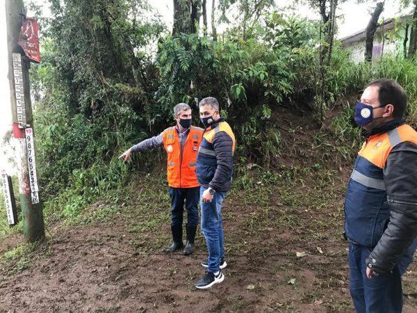 Defesa Civil do RS verifica estragos da enchente em Encantado