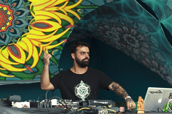 """""""Vejo a profissionalização  cada vez maior dos DJs"""""""