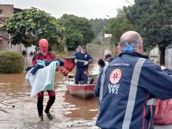Bombeiros e Samu realizam resgate de criança de 2 anos em Lajeado