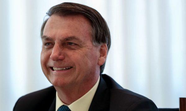 Bolsonaro promete anunciar ministro da Educação hoje