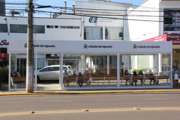 Novas paradas de ônibus começam a ser usadas em Lajeado
