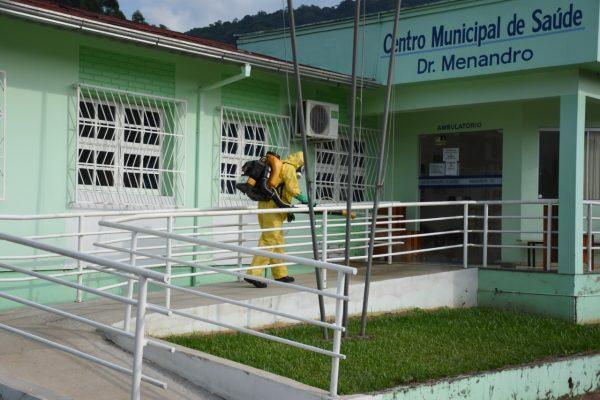 Após aumento de contágios, posto de saúde de Travesseiro será fechado