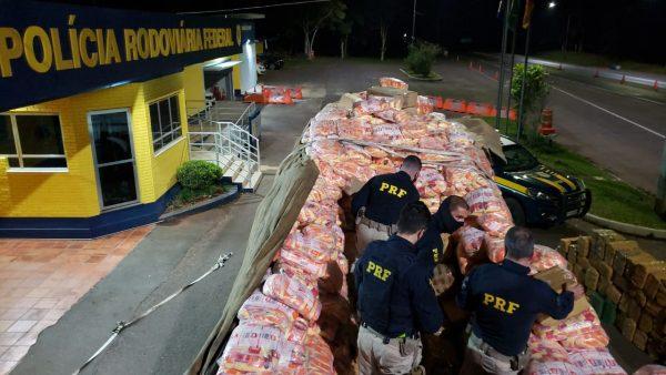 PRF apreende duas toneladas de maconha e 85 quilos de cocaína em Paverama