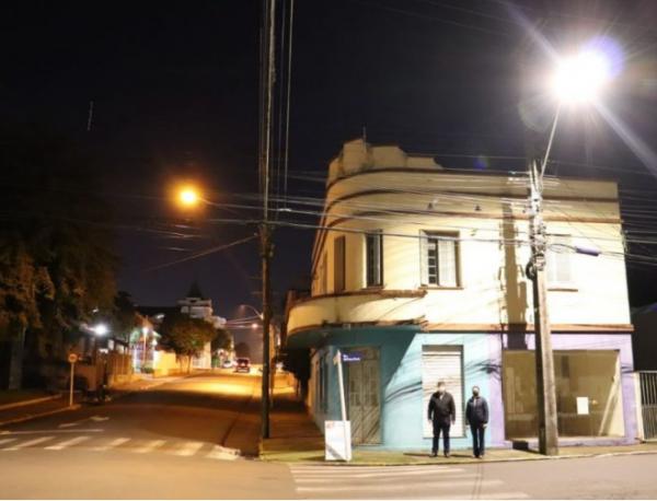 Arroio do Meio instala lâmpadas de LED em vias públicas