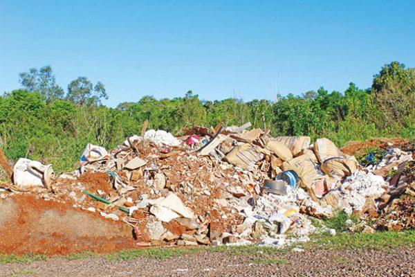 MP investiga área de descarte no bairro Universitário