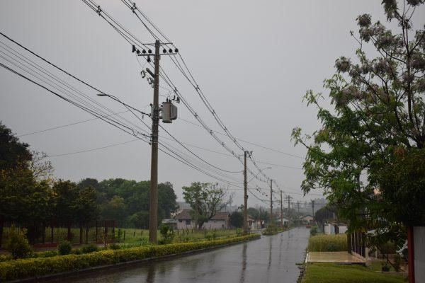 ALERTA: temporal, vendavais e trovões previstos para domingo