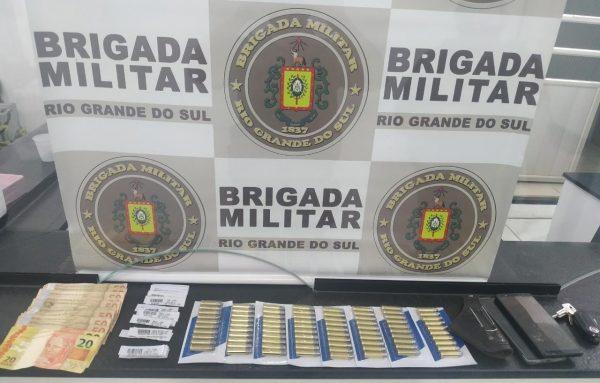 Força Tática prende homem por porte ilegal de munição
