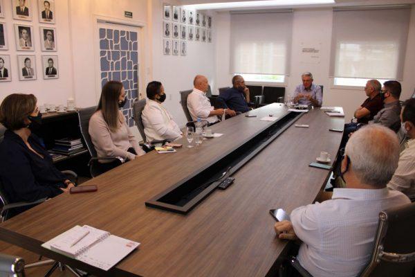 Líderes empresariais debatem plano de Centro Logístico no Porto de Estrela
