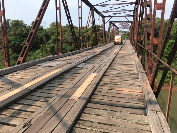 Ponte de ferro terá trânsito interrompido nesta terça-feira