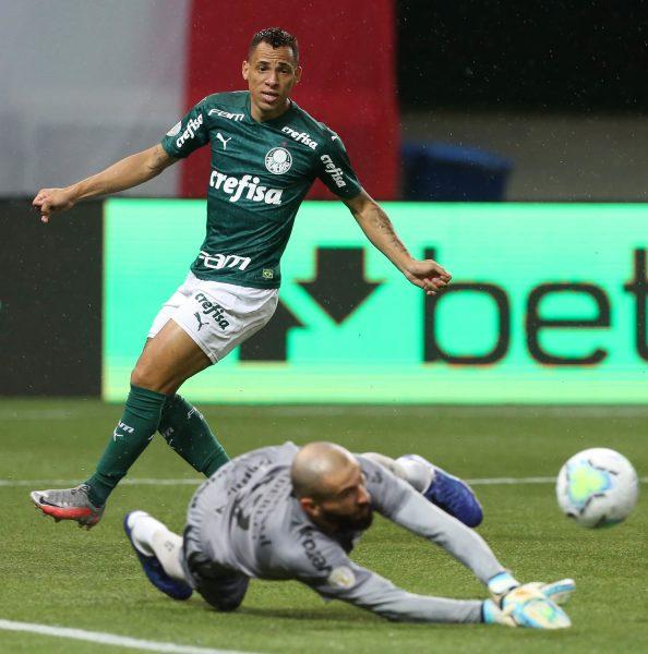 Grêmio e Palmeiras empatam em noite dos goleiros