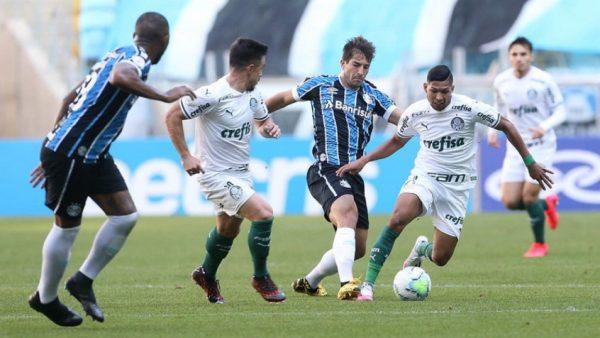 Governo anuncia alterações em horários de jogos de futebol no RS