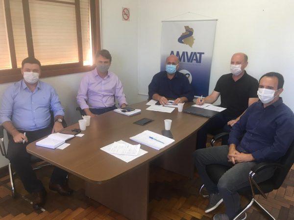 Processo de distribuição das vacinas pauta reunião de secretários na Amvat