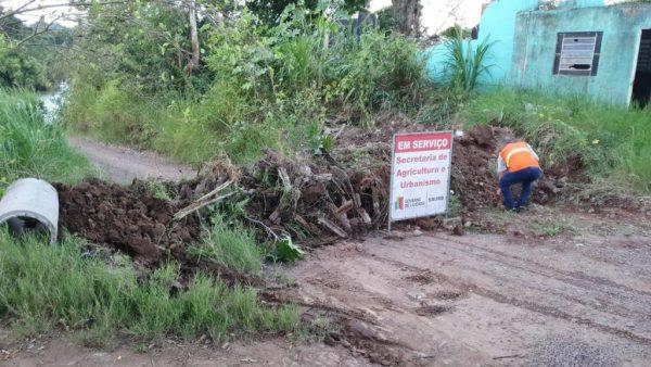 Fiscalização interdita acesso até beira do rio, em Lajeado