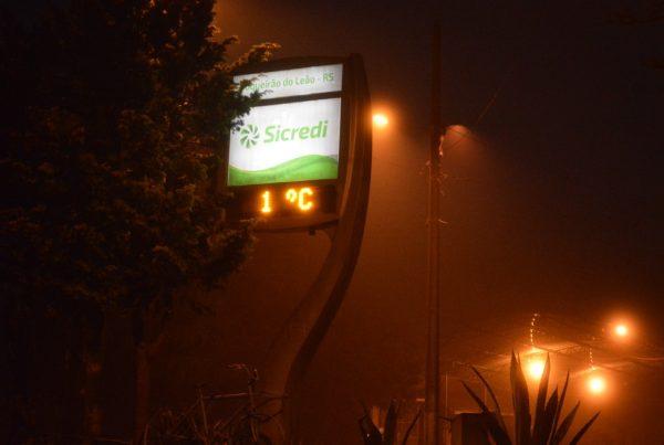 Termômetro de rua registra mínima de 1ºC em Boqueirão do Leão