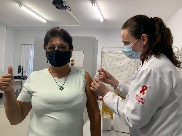 Lajeado inicia vacinação de profissionais da educação com comorbidades