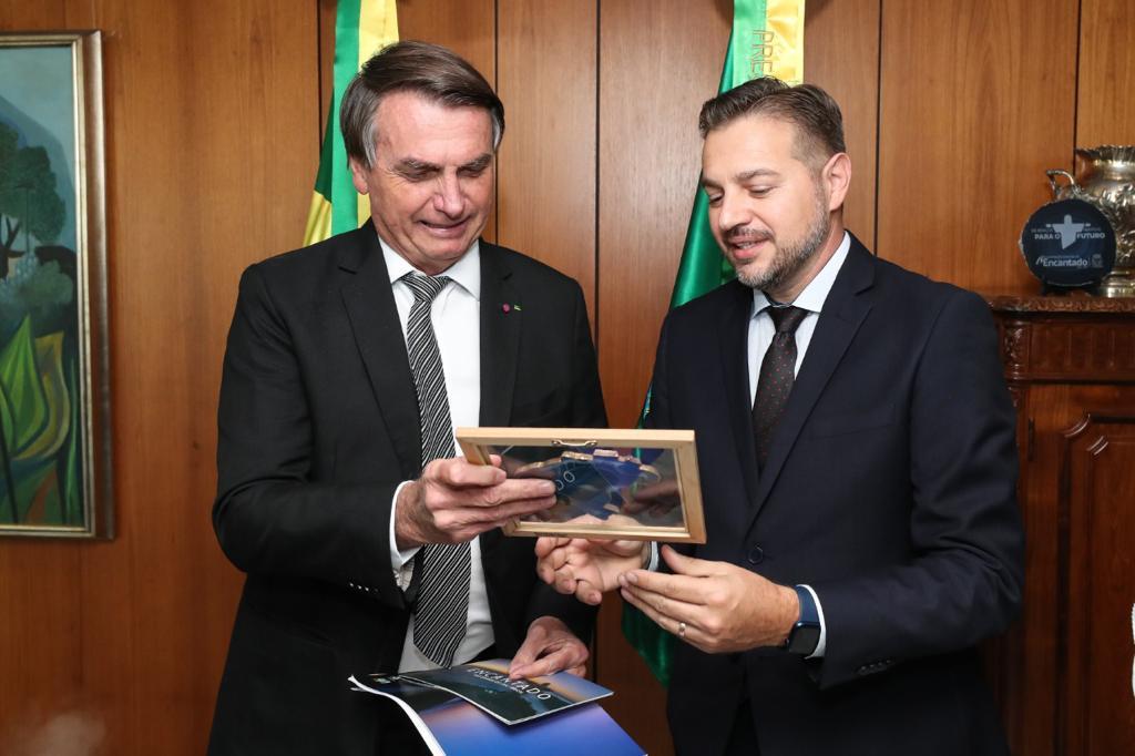 Bolsonaro confirma presença na inauguração do Cristo de Encantado