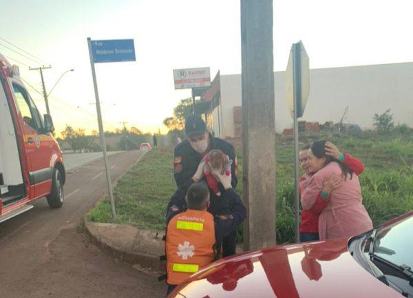 Bombeiros salvam bebê de 30 dias engasgado com leite em Lajeado