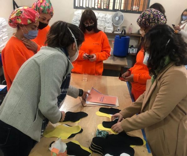 Detentas do Presídio Feminino confeccionam bioabsorventes