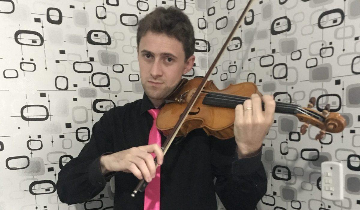 """""""Para tocar violino, é preciso muito estudo diário"""""""