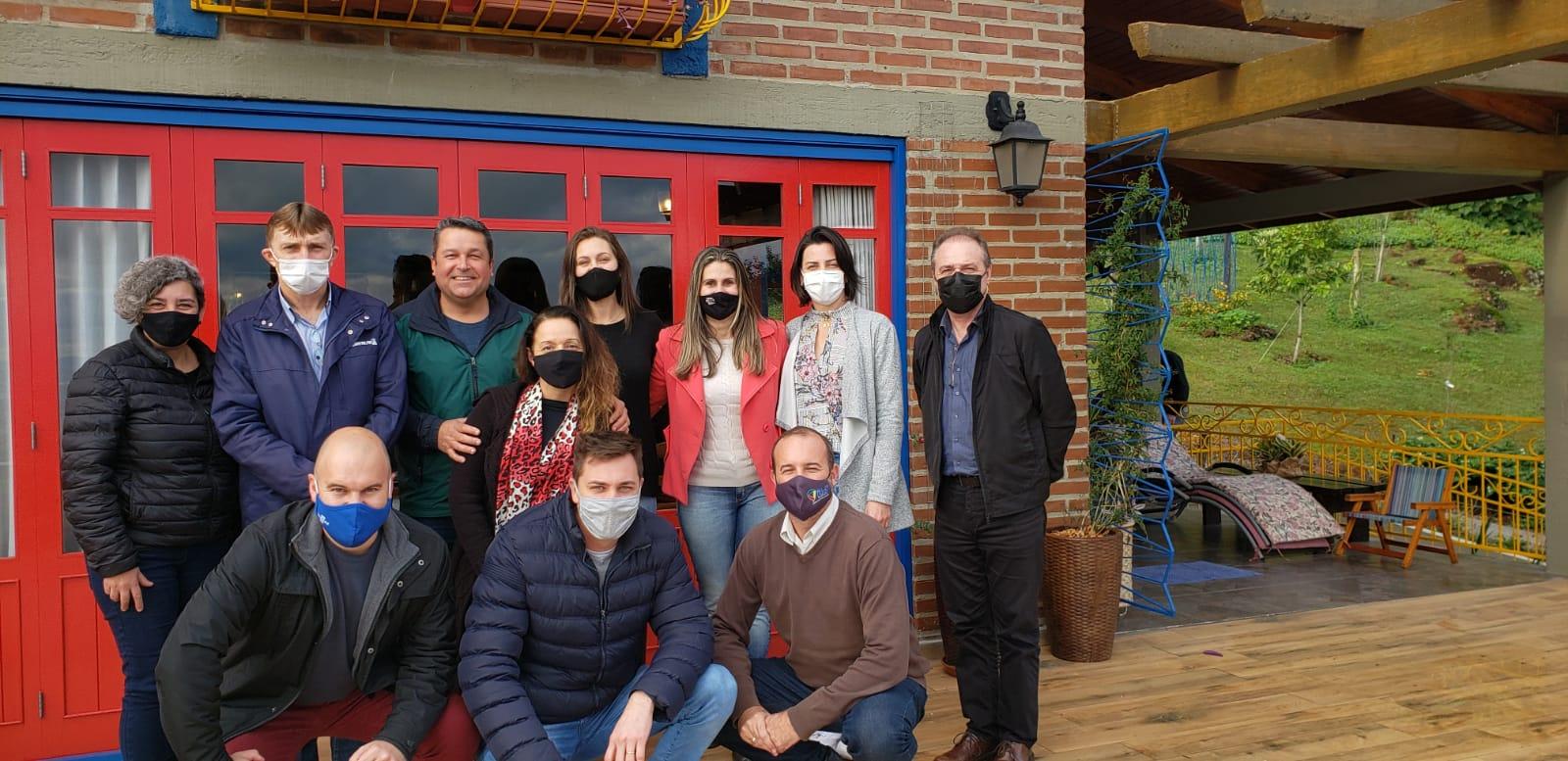 Amturvales reúne entidades para discutir plano estratégico de turismo